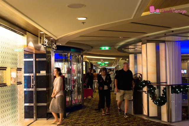 Celebrity Reflection Lojas